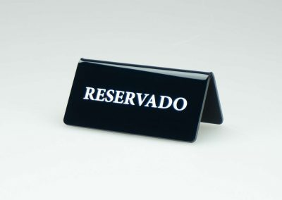cartel reservado mesa metacrilato